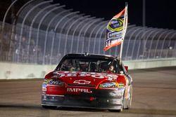 Sieger und Champion Tony Stewart, Stewart-Haas Racing, Chevrolet