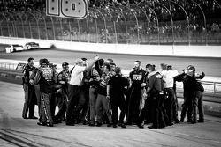 Stewart-Haas Racing Chevrolet team vieren titel Tony Stewart, NASCAR Sprint Cup Series 2011