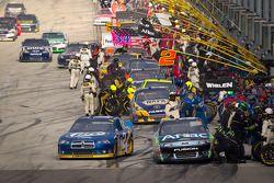 Pitstop Carl Edwards, Roush Fenway Racing Ford, Brad Keselowski, Penske Racing Dodge