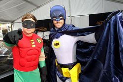 Will Davison en Tim Slade als Batman en Robin