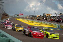 Landon Cassill, Chevrolet en Paul Menard, Richard Childress Racing Chevrolet