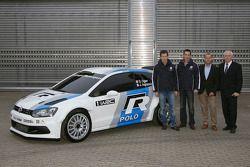 Sébastien Ogier, Julien Ingrassia, Kris Nissen, Dr. Ulrich Hackenberg, Volkswagen Development