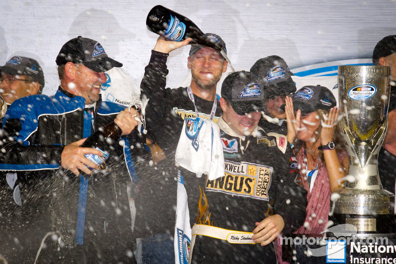 A primeira vitória aconteceu em Iowa, em 2011. Ele voltaria a vencer no mesmo lugar ainda naquele ano, que lhe daria o primeiro título da Xfinity Series.