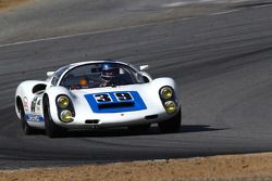 Howard Cherry in zijn Porsche 910