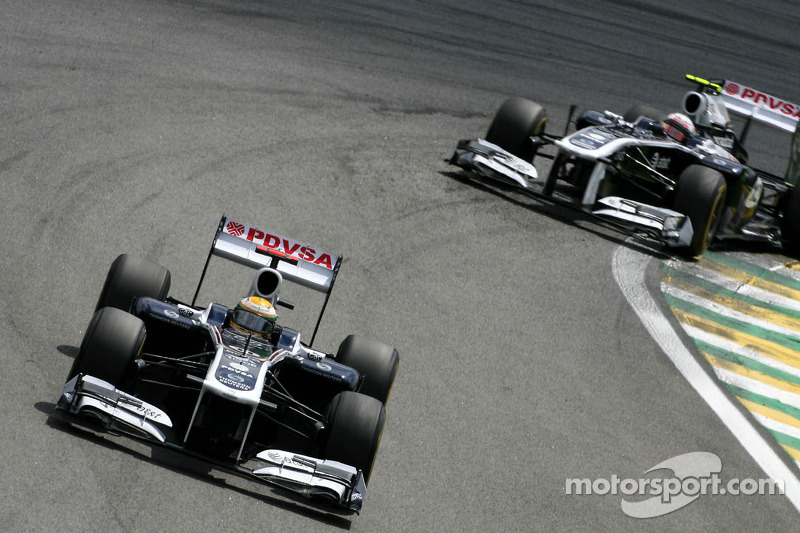 2011 (Rubens Barrichello, Williams-Cosworth FW33)