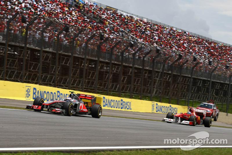 Jenson Button, McLaren Mercedes and Fernando Alonso, Scuderia Ferrari