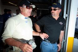 Brian Johnson en Carlos de Quesada