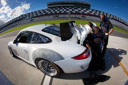 #66 TRG Porsche GT3: Carlos Gomez, Ben Keating