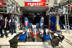 Peugeot Sport pit area