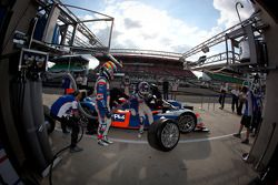 PIt stop practice for #10 Team Oreca Matmut Peugeot 908 HDI-FAP: Nicolas Lapierre, Loic Duval, Olivi