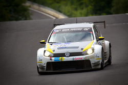Volkswagen Motorsport Volkswagen Golf24 : Johnny Herbert, Mark Blundell, Edoardo Mortara, Franck Mailleux