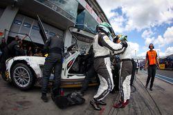 Pitstop #36 Rowe Racing Mercedes-Benz SLS AMG GT3: Alexander Roloff, Roland Rehfeld, Dominik Schwage
