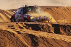 Porsche in de duinen