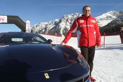 Stefano Domenicali presents yeni Ferrari FF