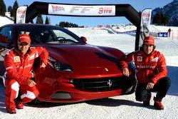 Fernando Alonso ve Felipe Massa present yeni Ferrari FF