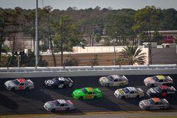 Trevor Bayne, Wood Brothers Racing Ford en Tony Stewart, Stewart-Haas Racing Chevrolet
