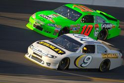 Marcos Ambrose, Petty Motorsport Ford and Danica Patrick, Stewart-Haas Racing Chevrolet