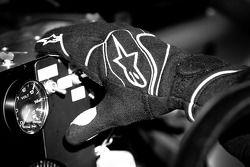 Hand of Kurt Busch, Phoenix Racing Chevrolet