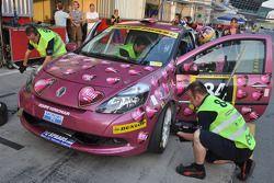 #84 RacingDivas.nl Renault Clio RS Cup: Liesette Braams, Sheila Verschuur, Paulien Zwart, Sandra van