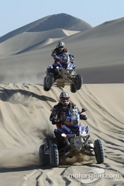 Marcos and Alejandro Patronelli crossing the dunes in 2012 Dakar