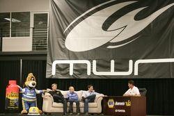 Waltrip Talk met Clint Bowyer, Michael Waltrip Racing Toyota, Mark Martin, Michael Waltrip Racing To