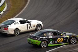 #17 BTE Sport Mustang Boss 302R: Emmanuel Anassis, Anthony Massari and #69 Pirate Motorsports Mazda