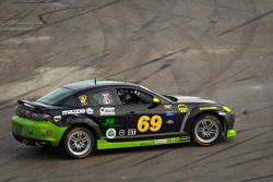 #69 Pirate Motorsports Mazda RX-8: M Allen Milarcik, Mike Slutz goes off the track