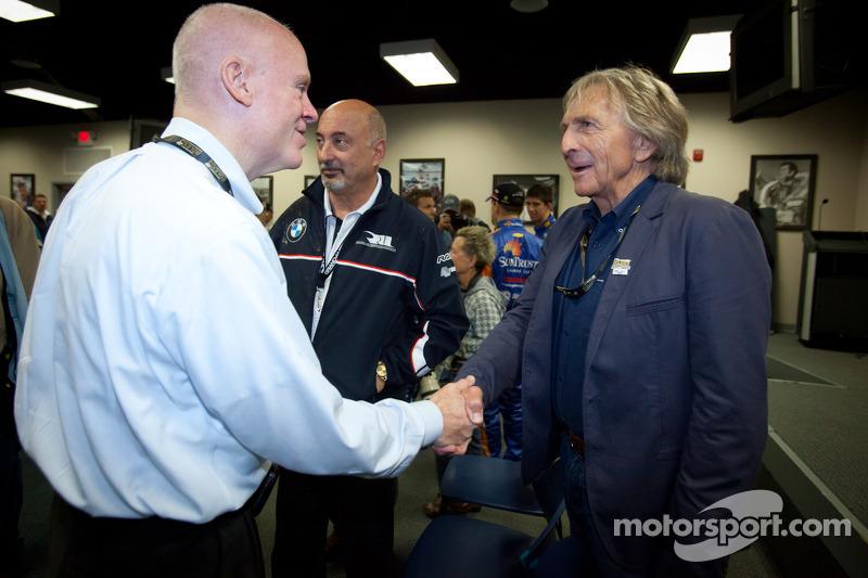 Rolex 24 At Daytona Champions fotoshoot: Rob Dyson en Derek Bell