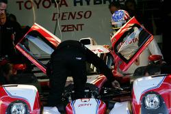 Alexander Wurz prueba el Toyota Hybrid TS030