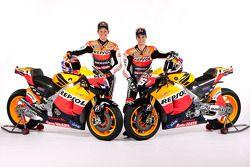 Кейси Стоунер и Дани Педроса. Презентация Repsol Honda, студийная фотосессия.