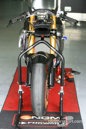 Moto Suter de Colin Edward