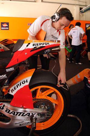 Un miembro de Respol Honda Team