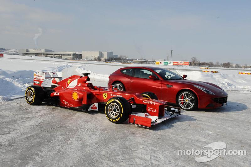 De nieuwe Ferrari F2012 met de FF