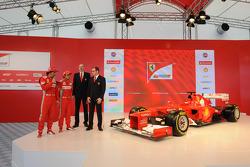 Fernando Alonso, Felipe Massa en Stefano Domenicali