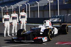 Kamui Kobayashi, Sauber F1 Team con Sergio Pérez, Sauber F1 Team y Esteban Gutiérrez, Sauber F1 Team