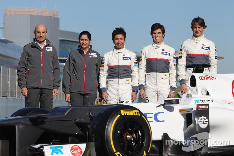 Peter Sauber, Teamchef; Monisha Kaltenborn, Geschäftsführerin; Kamui Kobayashi, Sauber F1 Team; Serg