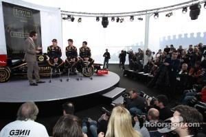 Kimi Raikkonen, Lotus Renault F1 Team with Romain Grosjean, Lotus Renault F1 Team and Jérôme d'Ambrosio,  Lotus Renault F1 Team