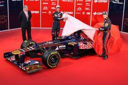 Даниэль Риккардо и Жан-Эрик Вернь. Презентация Toro Rosso STR7, Презентация.