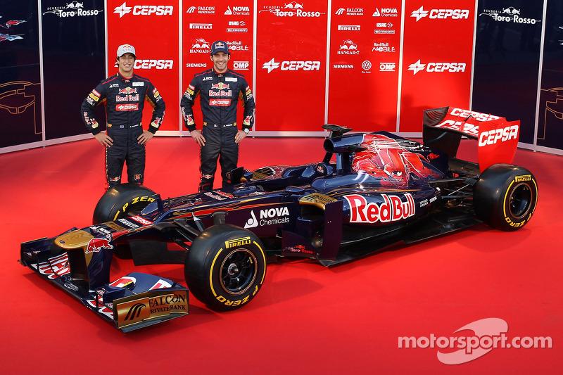В том году полностью свой состав сменила Toro Rosso. Себастьена Буэми отправили покорять «Ле-Ман» с Toyota, а заодно назначили резервным гонщиком Red Bull, Хайме Альгерсуари стал тест-пилотом Pirelli, а им на смену пришли главные таланты системы Хельмута Марко: Даниэль Риккардо и Жан-Эрик Вернь