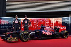Daniel Ricciardo, Scuderia Toro Rosso; Jean-Eric Vergne, Scuderia Toro Rosso