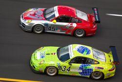 #45 Flying Lizard Motorsports with Wright Motorsports Porsche GT3: Jorg Bergmeister, Patrick Long, S