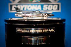 El trofeo de las Daytona 500, Harley F. Earl