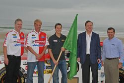 Eddie and Len Wood with Trevor Bayne and NASCAR CEO and chairman Brian France and Joie Chitwood III, DIS president
