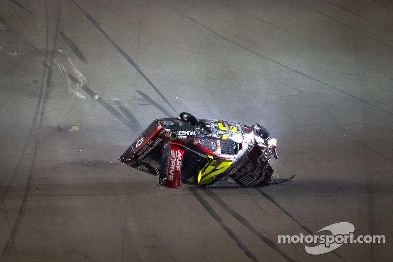 Jeff Gordon Chevrolet >> Lap 74 crash: Jeff Gordon, Hendrick Motorsports Chevrolet crashes and flips upside down at ...