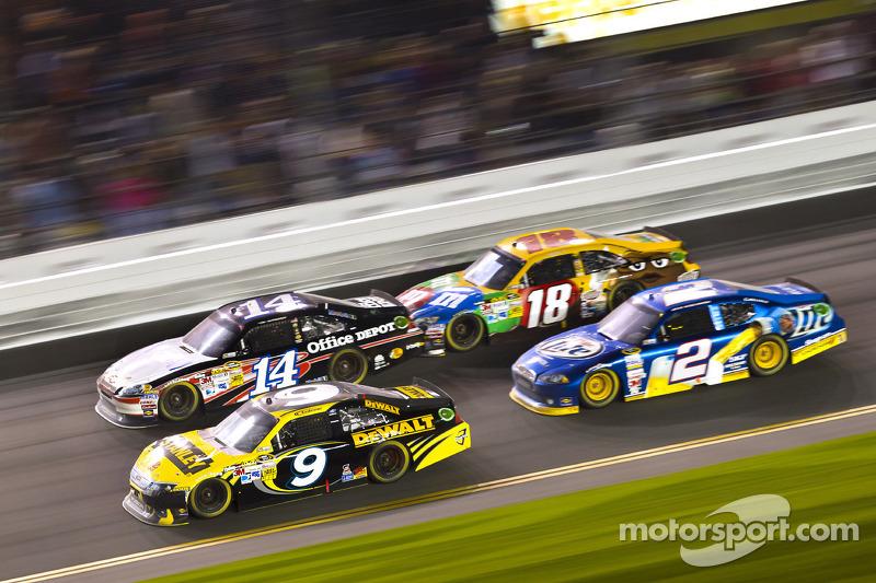 Marcos Ambrose, Richard Petty Motorsport Ford, Tony Stewart, Stewart-Haas Racing Chevrolet, Brad Keselowski, Penske Racing Dodge, Kyle Busch, Joe Gibbs Racing Toyota