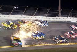 Kyle Busch, Joe Gibbs Racing Toyota in Problemen