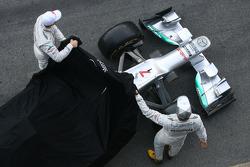 Nico Rosberg und Michael Schumacher enthüllen den Mercedes F1 W03