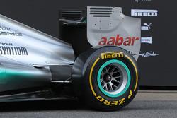 Mercedes F1 W03: Motorhaube und Heckflügel