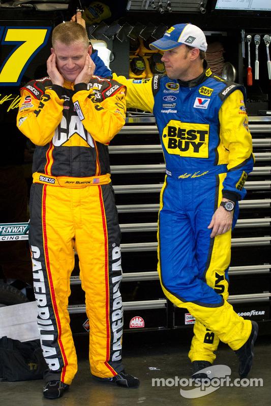Jeff Burton, Richard Childress Racing Chevrolet y Matt Kenseth, Roush Fenway Racing Ford
