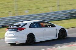 Honda Racing testing the new Honda Civic